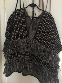 Brand new Guess Poncho (one size)  Toronto