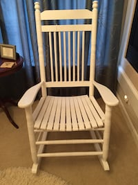 White rocking chair from Cracker Barrel Nokesville, 20181