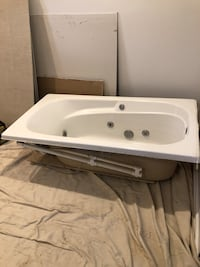 White jet tub. Just got removed but it was never used Alexandria, 22302