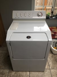 Maytag front loader washing works great