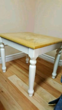 Pair of coffee tables 562 km