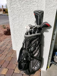black and gray golf bag with golf clubs Las Vegas, 89149
