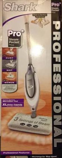 NEW in Box Shark Professional Steam Pocket Mop Model: S3061 Burke, 22015