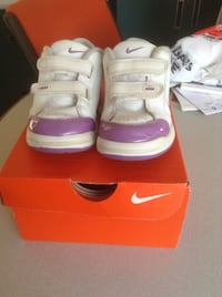 Nike White shoes for girls toddler size 8.5c Vancouver, V5M