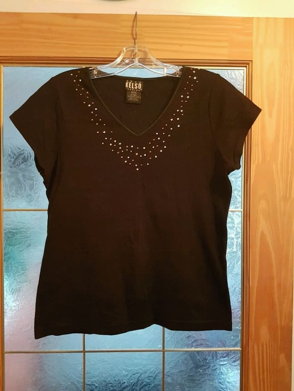 Beaded top 987026cb-118f-4583-b6dc-7bdf068d739b