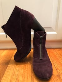 Born suede ankle booties size 8 West Babylon, 11704
