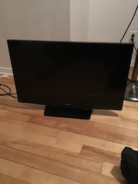 black flat screen computer monitor 785 km