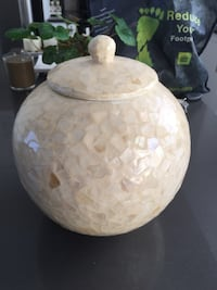 Beige decorative ceramic jar with lid Toronto, M3K 0A9