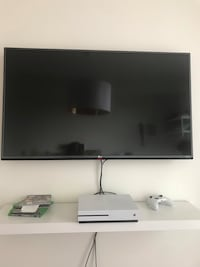 "45"" LG 4K smart tv Emeryville, 94608"
