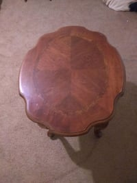 Set of 2 end table wooden