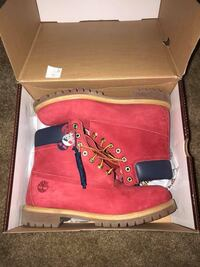 Red double layer timberland premium waterproof boots with box size 11 Huntsville, 35802