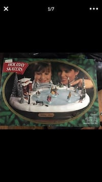Holiday Skaters New in Box never used Washington, 20011