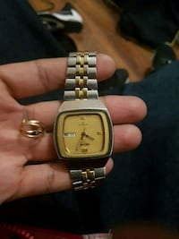 square gold-colored analog watch with link bracelet Winnipeg, R2W 1T1