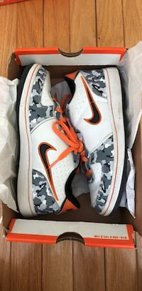 White-and-red nike basketball shoes in box Ronkonkoma, 11779