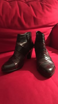 Pair of black-and-brown leather booties Rockville, 20852