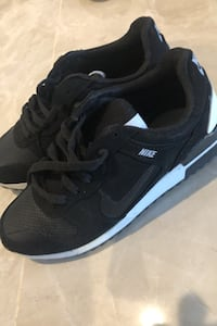 Brand new Nike shoes Lakeshore, N0R 1A0