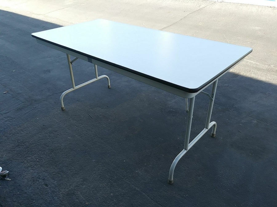 Samsonite Fort Smith Folding Table