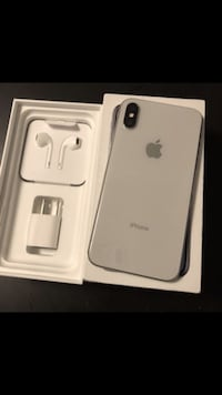 silver iPhone 7 with box CALGARY