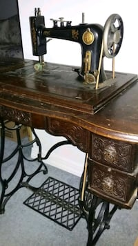 Treadle style sewing machine Hagerstown, 21740