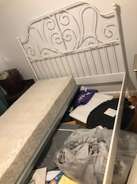 IKEA bed queen like new Alexandria, 22306