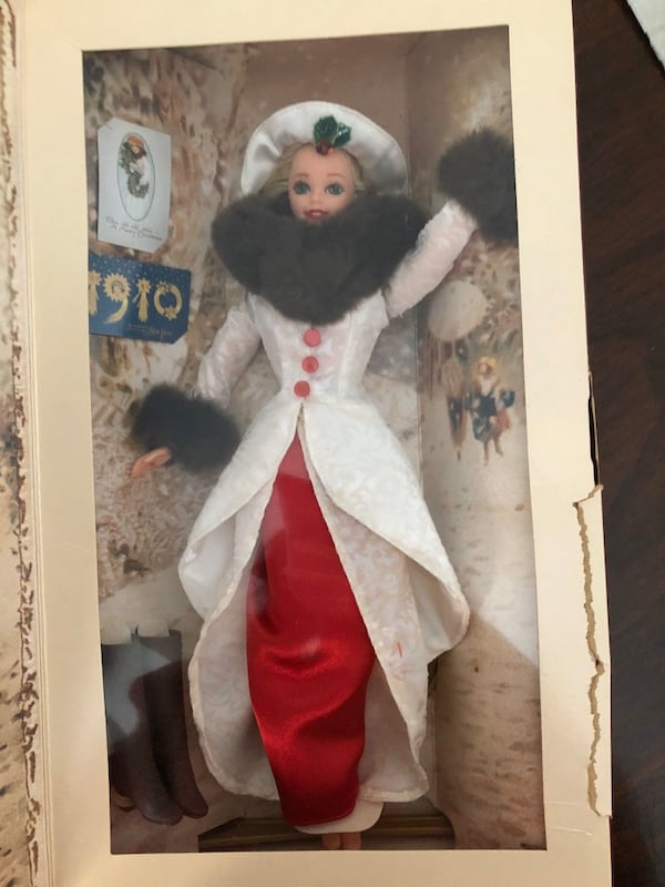 Holiday Barbie from 1995 d4ee849a-bdb9-4fe9-b6e9-11741bd132f3