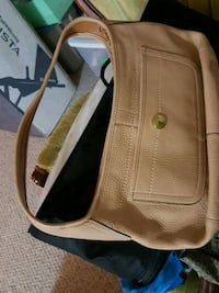 Coach purse  Burnaby, V5A 3M5