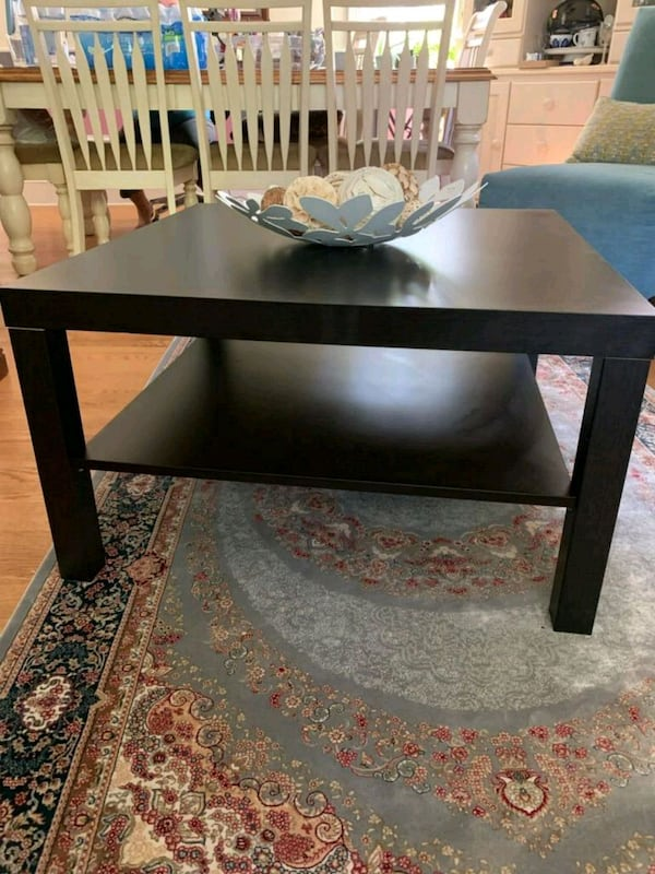 coffee table  1ad427d7-0415-4625-a8c9-5f8a5473ccec