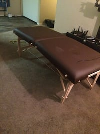 Massage table folds and has carry bag Las Vegas, 89183