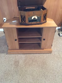 brown wooden TV stand with cabinet Eastpointe, 48021
