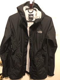 Woman's small north face jacket black Burnaby, V5C 3B5