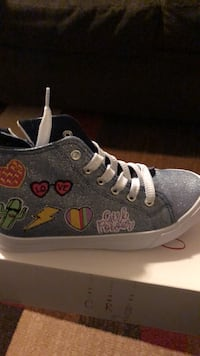 Girls sneakers size 4 Gansevoort, 12831