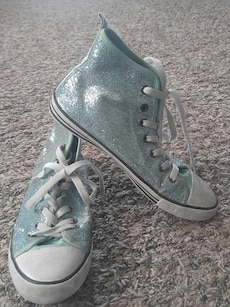 Sparkle baby blue sneaker shoes size 5.5
