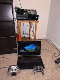 Xbox one and a Lenovo Legion y520 gaming laptop