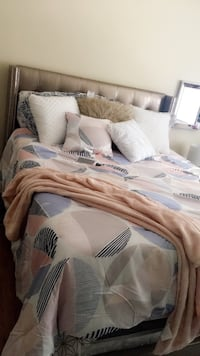 white and gray bed sheet set 48 km