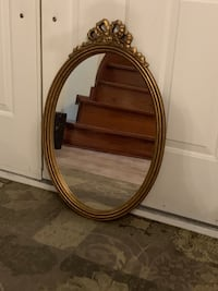 Oval decorative mirror Vaughan, L4H 1S9