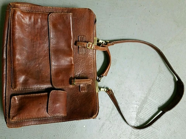 8774793041 Used Peleteria leather briefcase or purse for sale in Jacksonville - letgo