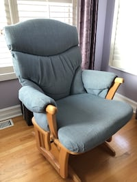 Rocking chair Toronto, M2L 2S4