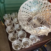 Crystal punch bowl & 12 cups & ladle-perfect vintage-Holiday Tempe, 85283