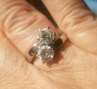 2 stone side by side engagement ring.... size 6 Jurupa Valley
