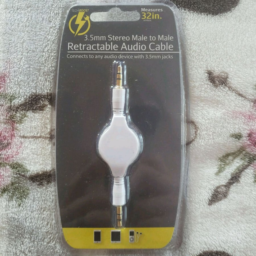 TechBoost retractable audio cable