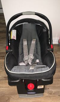 Graco Snugride 35 Click and Connect  Toronto, M1W 1M6