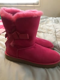 "Woman's Magenta ""brand new"" UGG Boots. Never worn"