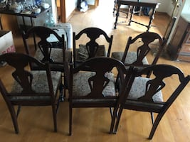 Dinette set six chairs and table