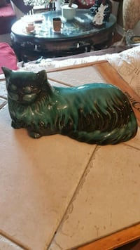 Vintage Blue Mountain Pottery Cat Barrie, L4N 6C3