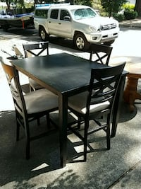 Dining table and chairs Tigard, 97224