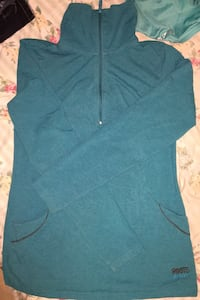 Roots active turquoise half zip up pullover