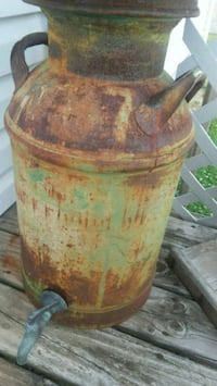 Old milk can with lid n spicket Galva, 61434