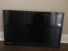 Emerson flat screen tv 32 inches