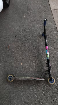 Black and gray kick scooter Burlington, L7R 2T4