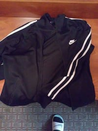 Brand New Nike sweater & Sports bag